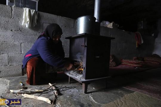 خربة المفقرة في مسافر يطا محاصرة بالاستيطان وأهلها صامدون في كهوفهم