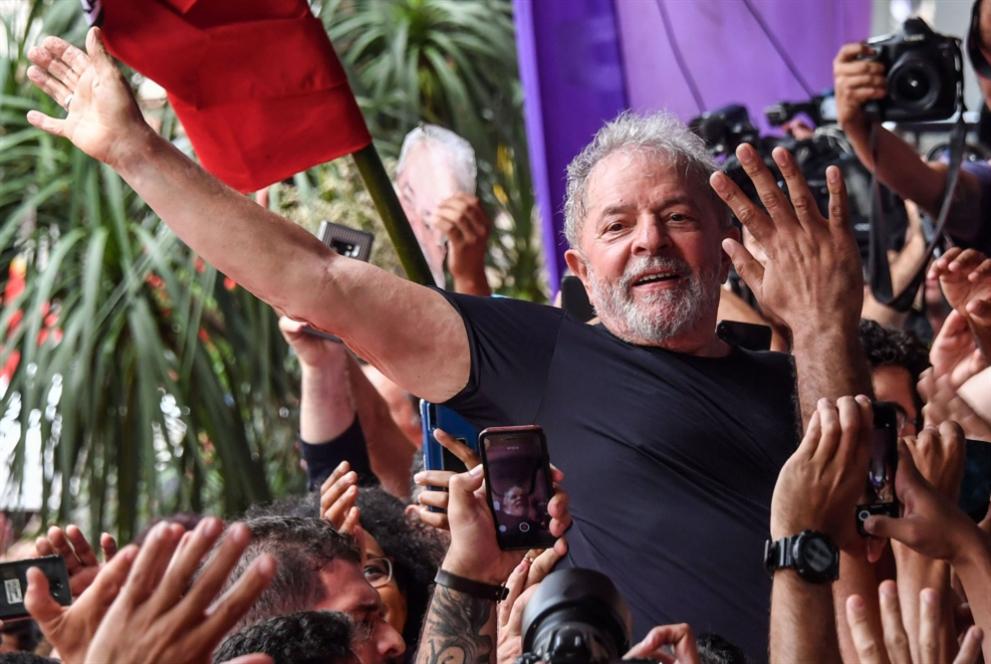 الإفراج عن دا سيلفا يحيي الآمال في أميركا اللاتينية