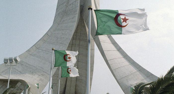 الجزائر: قرار قبول مراقب جديد بالاتحاد الأفريقي اتخذ دون مشاورات ولا يحمل أي صفة شرعية