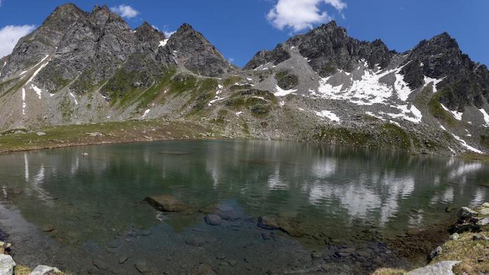 التغير المناخي يتسبب بتشكل أكثر من ألف بحيرة بمنطقة الألب السويسرية