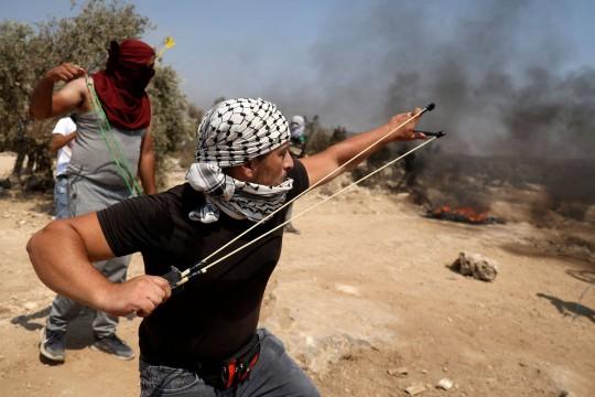 """ماذا يعني بينيت بـ""""تقليص الصراع"""" مع الفلسطينيين وكيف يلتقي ذلك مع الصهيونية الدينية؟*"""