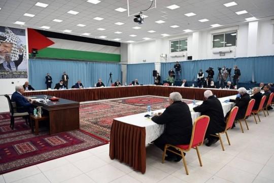 الرئيس يترأس اجتماعا للجنة المركزية .. وقرار بعقد المؤتمر الثامن للحركة في اذار القادم
