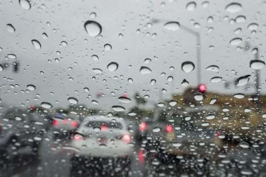 أمطار غزيرة وعواصف رعدية صباح اليوم