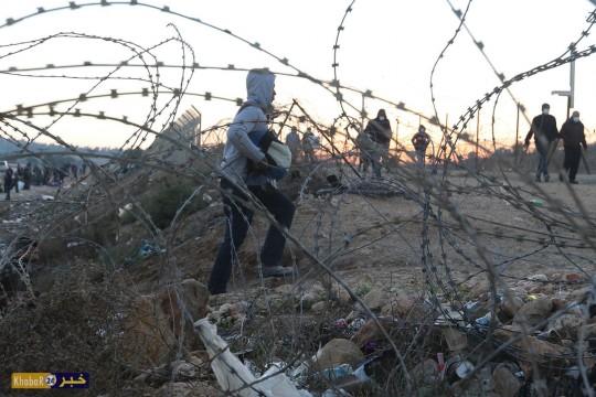 معاناة العمال الفلسطينييون من معبر الظاهرية جنوب الخليل