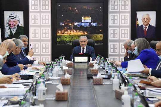 مجلس الوزراء يقرر تشكيل لجنة وزاريةلتحصيل حقوق العمال في إسرائيل