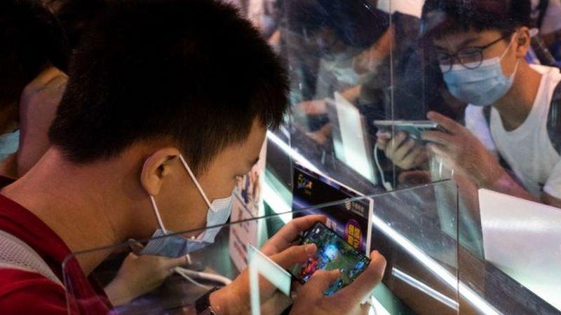 """الألعاب الإلكترونية: الإعلام الصيني يشنّ هجوماً على """"المخدرات الإلكترونية"""""""