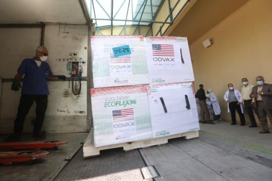 """""""الصحة"""" تتسلم 500 الف جرعة لقاء مضار لفيروس كورونا"""