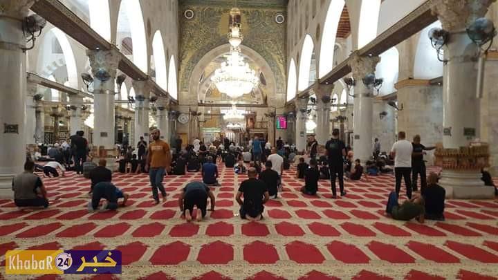 أجواء المسجد الاقصى المبارك فجر اليوم في صور