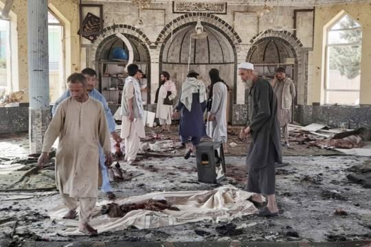 أفغانستان.. عشرات القتلى والجرحى جراء انفجار داخل مسجد في قندهار