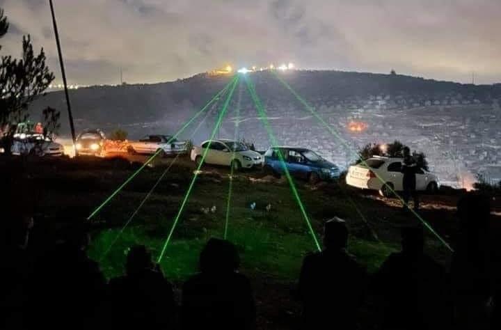 """مئات المواطنين يشاركون بـ""""الارباك الليلي"""" على جيل صبيح ببلدية بيتا جنوب نابلس"""