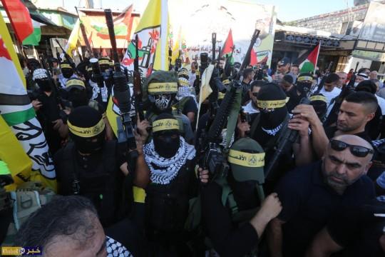 """""""فتح"""" تنظم مسيرة مسلحة دعما للرئيس واسنادا للقدس والشرعية الفلسطينية في حلحول شمال الخليل"""