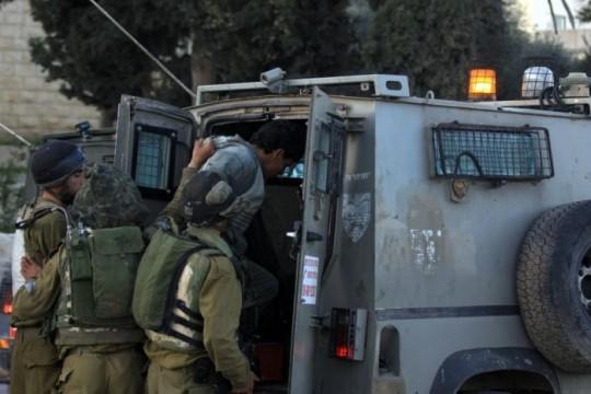 الاحتلال يعتقل ستة مواطنين ويستدعي آخر من بيت لحم