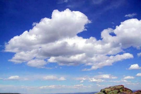 حالة الطقس: أجواء خريفية والحرارة أقل من معدلها السنوي