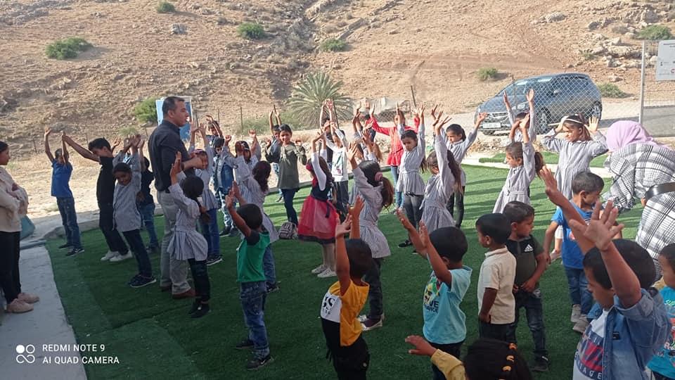 """""""التربية"""": إبعاد الاحتلال لمدير مدرسة المالح سابقة خطيرة"""