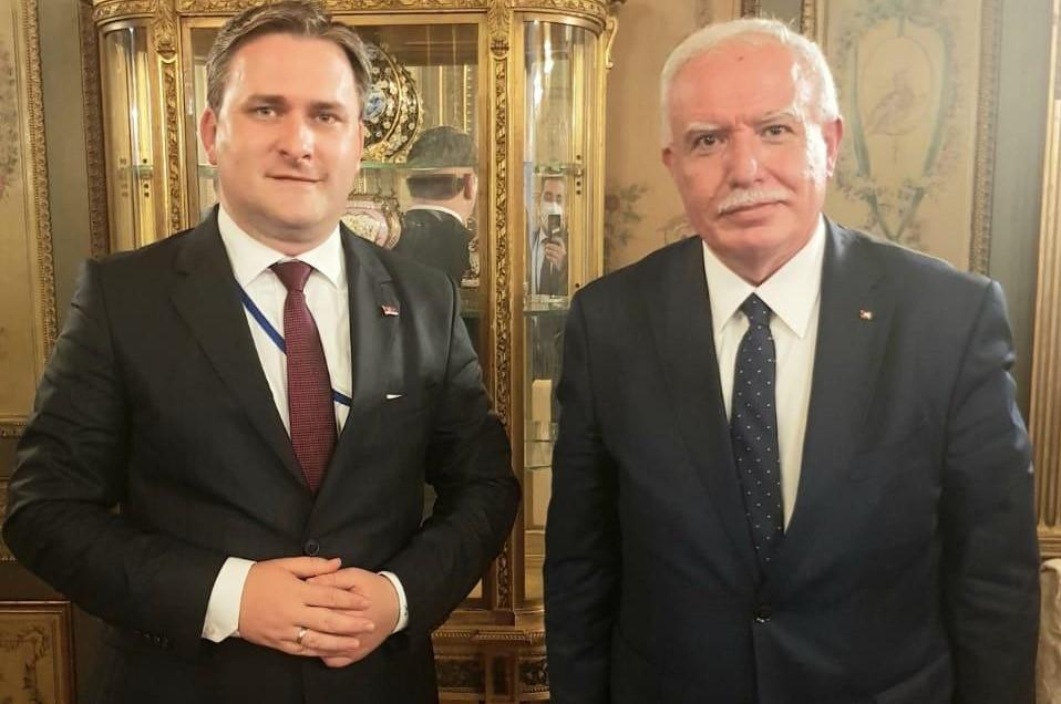 المالكي يطلع نظيره الصربي على التطورات السياسية
