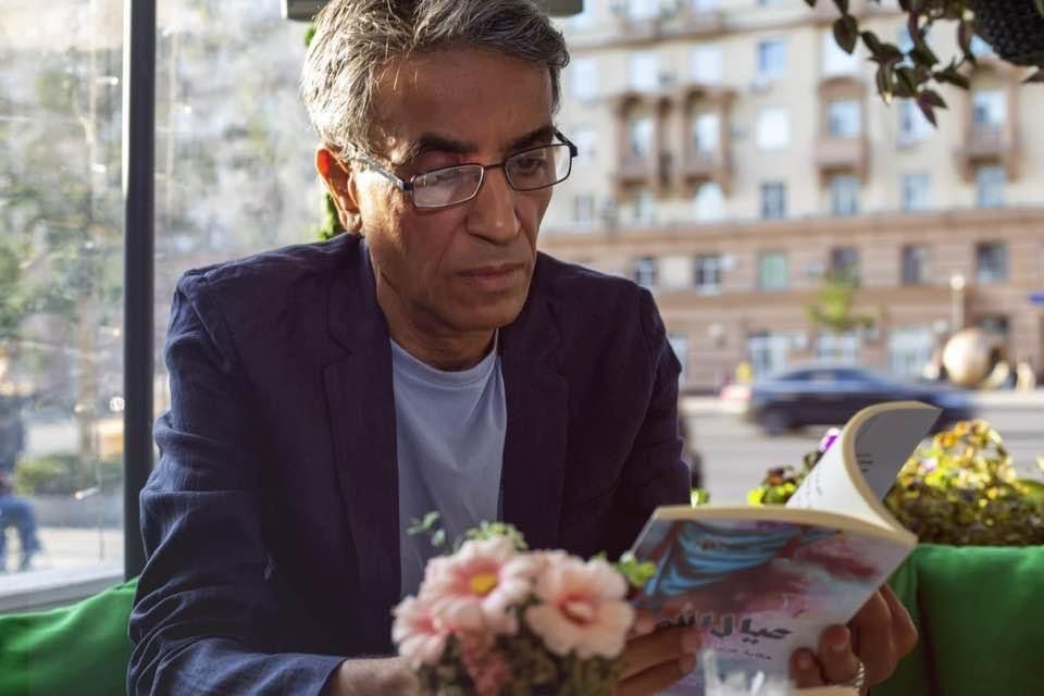 """تسليم الشاعر الفلسطيني عبد الله عيسى وسام الشرف الذهبي """"الأورو آسيوي"""""""