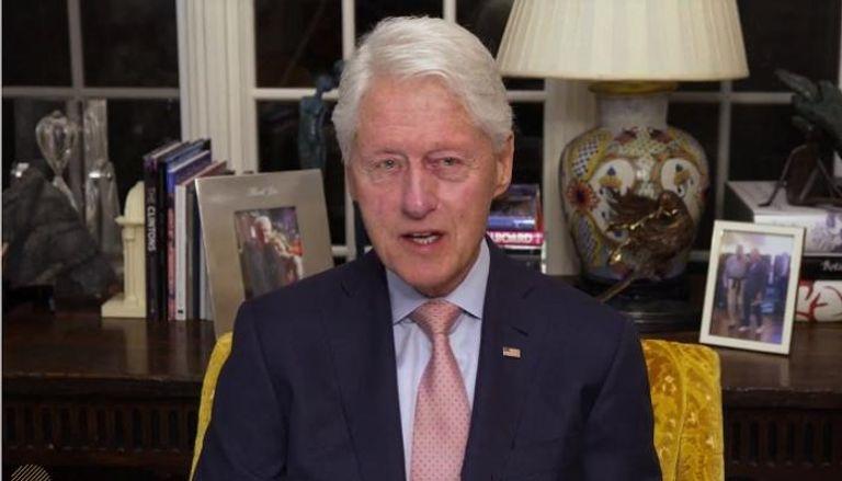 """نقل الرئيس الأمريكي الأسبق """"بيل كلينتون"""" إلى المستشفى"""