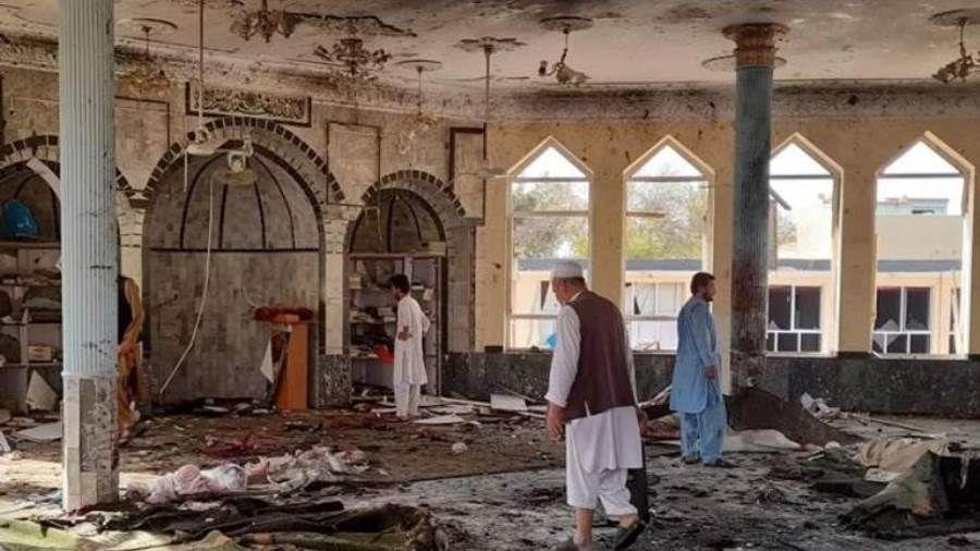 """""""داعش"""" يتبنى هجوما على مسجد في قندهار أودى بحياة 41 شخصا"""