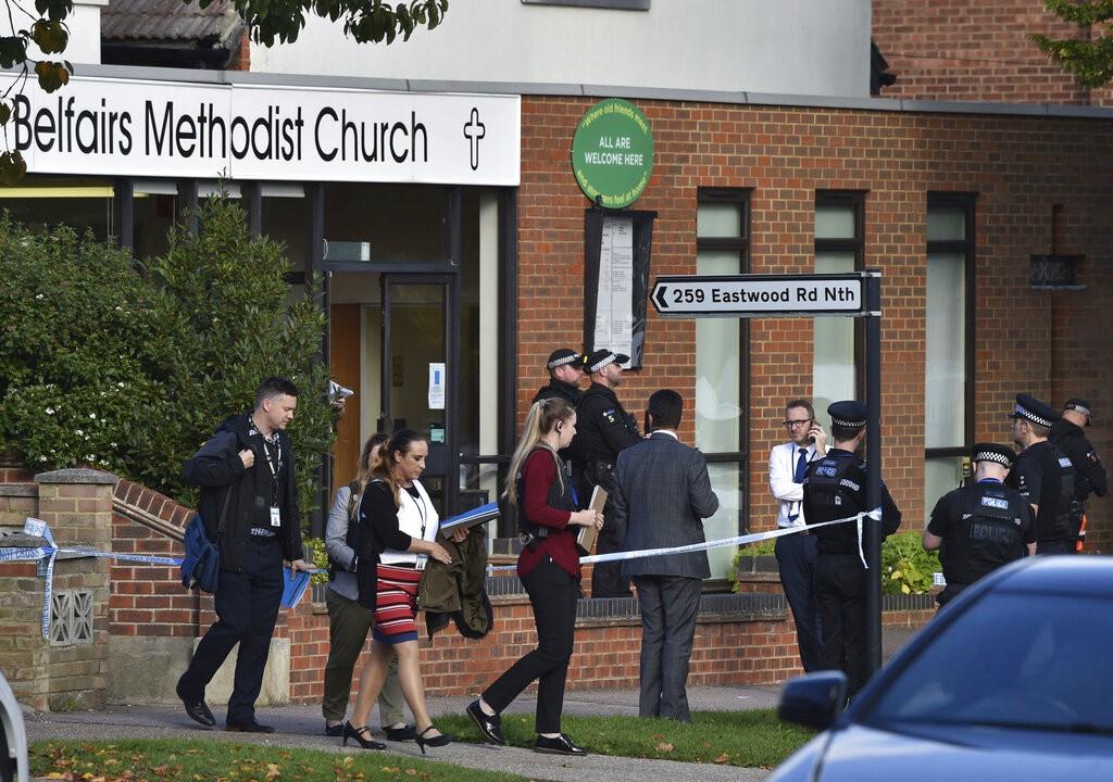 مقتل نائب بريطانيّ طعنا خلال مشاركته في تجمّع سياسيّ جنوب شرق إنجلترا