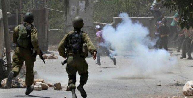 إصابات بالاختناق في مواجهات مع الاحتلال ببلدة بدو واعتقال 4 فتية وشابا في القدس