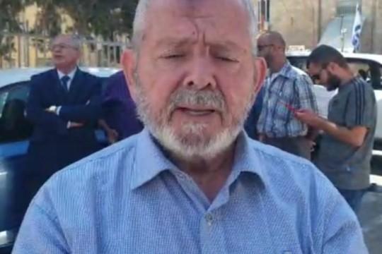 الاحتلال يعتقل رئيس لجنة رعاية المقابر الإسلامية في القدس ويقتاده للتحقيق