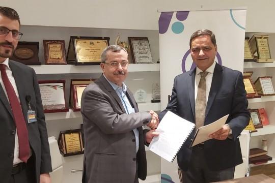 مستشفى الاستشاري العربي وشركة maalchat لخدمات الدفع الالكتروني يوقعا اتفاقية عمل