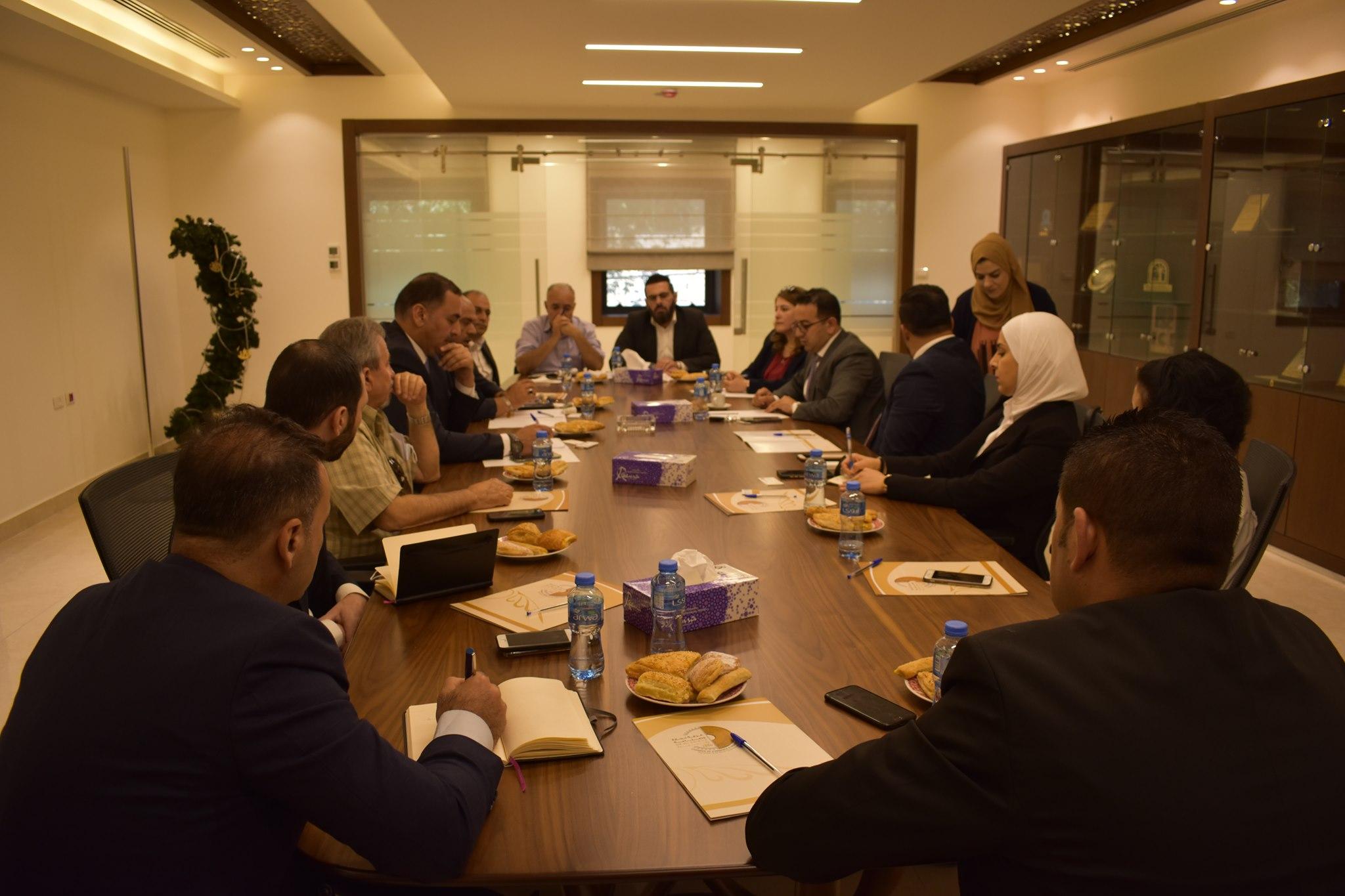 غرفة تجارة وصناعة محافظة رام الله والبيرة وبنك فلسطين يوقعان اتفاقية تعاون