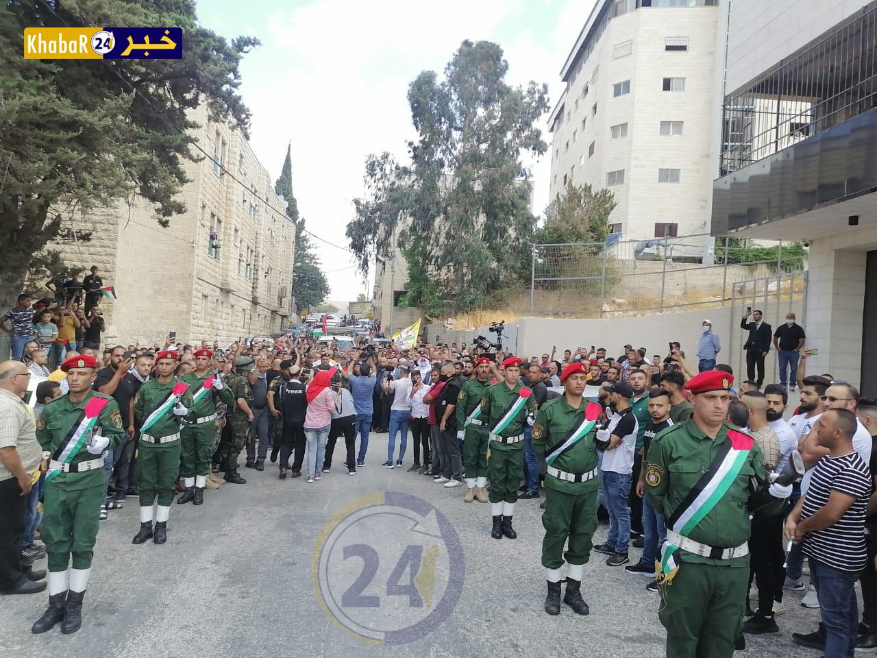 تشييع جثمان الأسير الشهيد حسين مسالمة بموكب جنائزي مهيب في بيت لحم