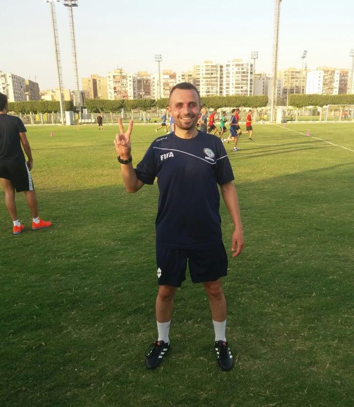 الحكم الدولي الفلسطيني براء أبو عيشة يشارك في تحكيم مباريات بطولة كأس العرب للشباب