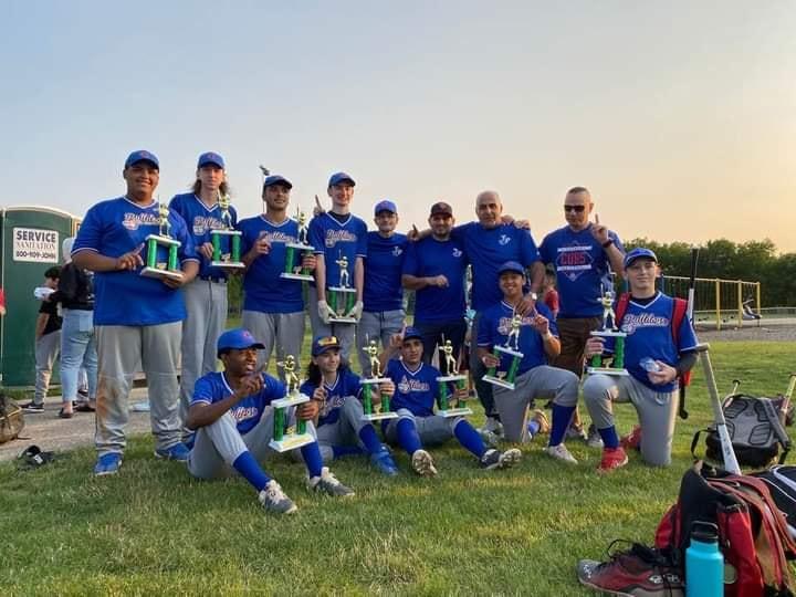 فريق البيسبول بالجالية الفلسطينية في أمريكا PAAA يحقق لقب ولاية الينوي