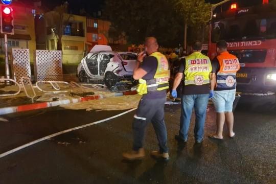اصابة اسرائيليين بجروح خطيرة في انفجار سيارة في نهاريا