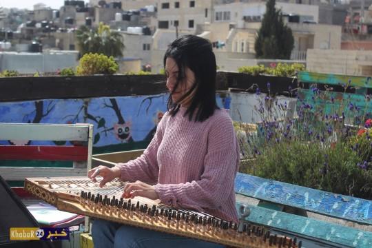 طالبة من بيت لحم تفوز في المرتبة الأولى بالعزف الفردي